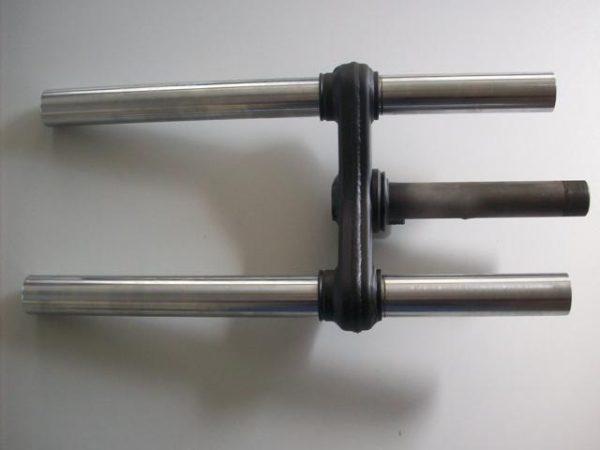 Kreidler voorvork voorzien van nieuwe binnenpoten