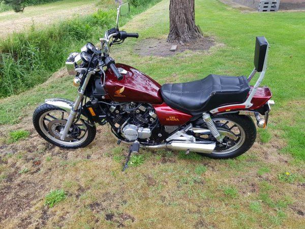 Honda Magna VF 500 C van bouwjaar 1984 nette motorfiets