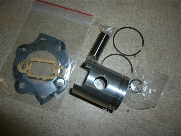 50 cc Cilinder KTT 50 cc Cilinder KTT smalle tap ( exacte kopie van Mahle W6 cilinder ) (Default)tap ( exacte kopie van Mahle W5 cilinder ) (Default)